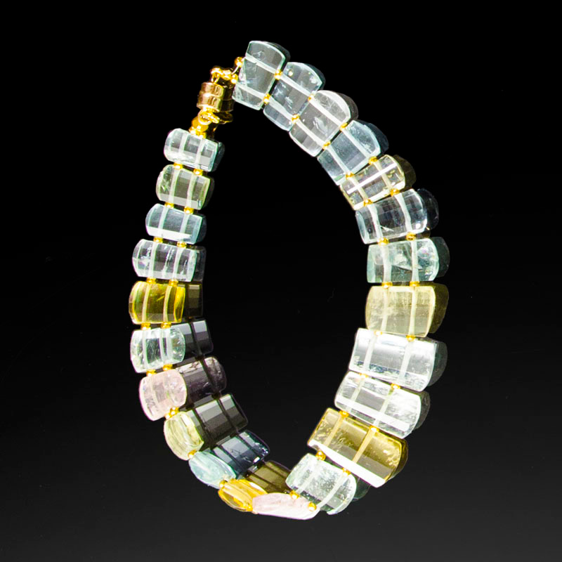 Beryl beaded bracelet with 18K yellow gold beads