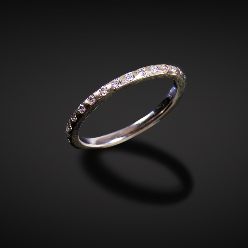 18K brushed white gold band with Diamonds