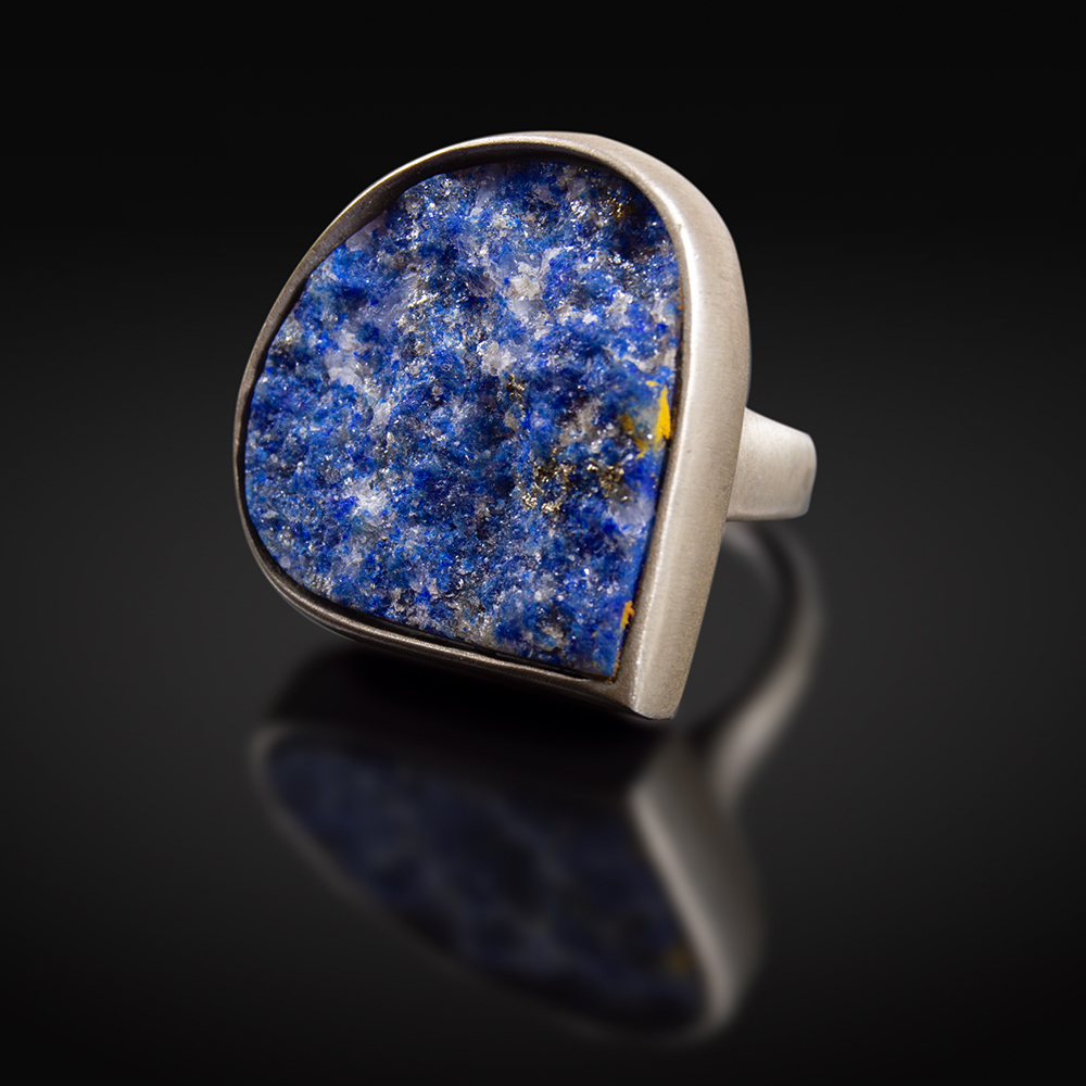 Brushed silver ring with Lapis