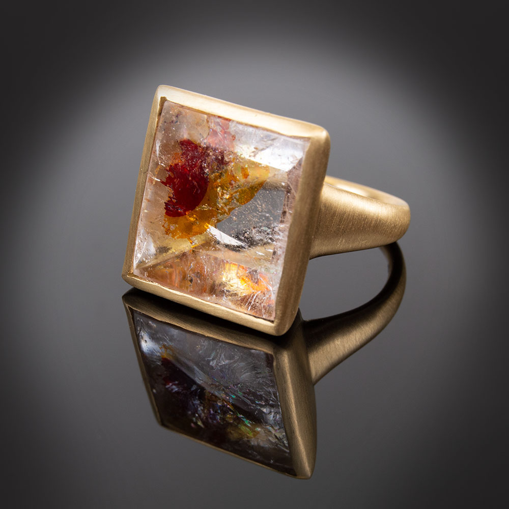 18K brushed yellow gold ring with Quartz containing Iron Oxide