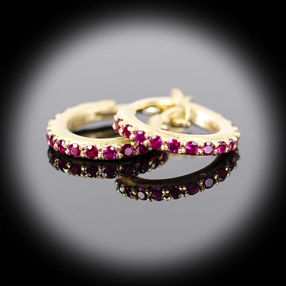 Brushed 18K tiny hoop earrings with Rubies