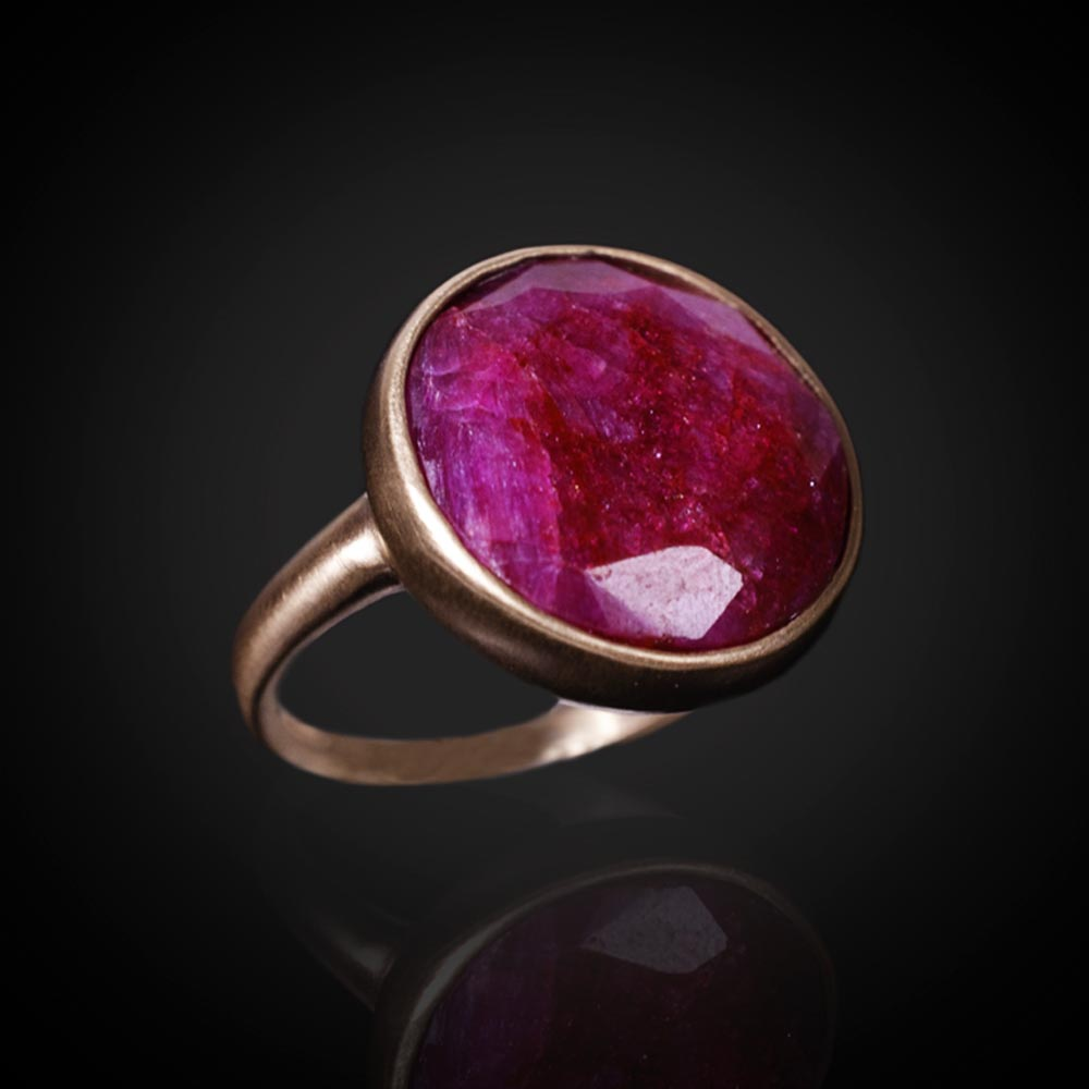 18K brushed rose gold ring with rose cut Ruby