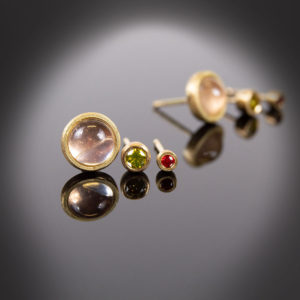 18K yellow gold stud earrings